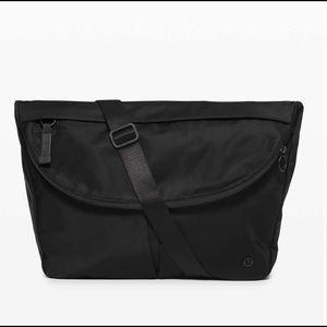 Lululemon All Night Festival Bag *Large Black